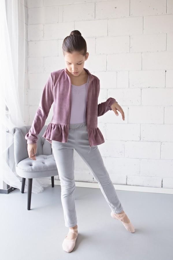 Veliūrinis džemperis su prailginta nugara